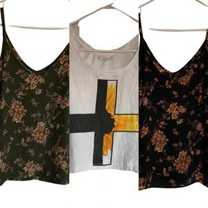 FOREVER 21 🌿 Lot of Floral Tops
